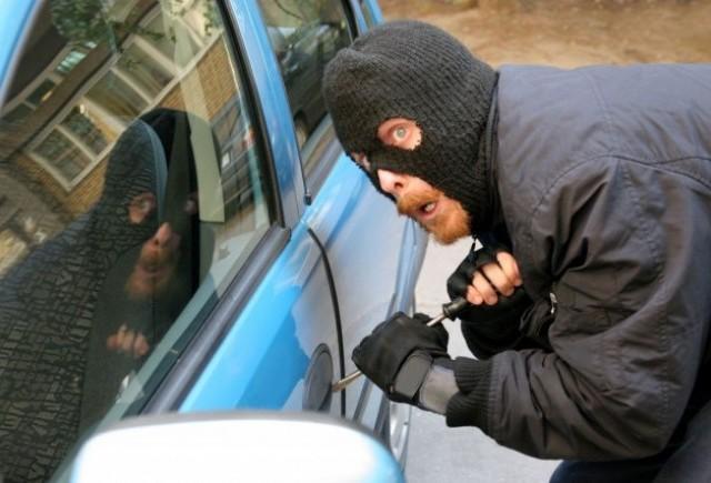 В Тверской области кировчанин пытался угнать машину жителя Беларуси