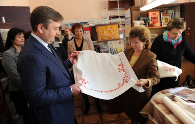 Губернатор Андрей Шевелёв встретился с работниками тверского Дома народного творчества