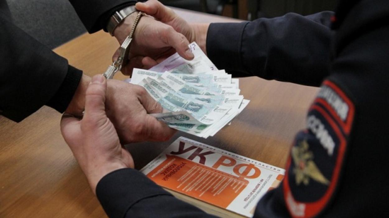 Руководителя регионального отдела СКР поТверской области задержали завзятку