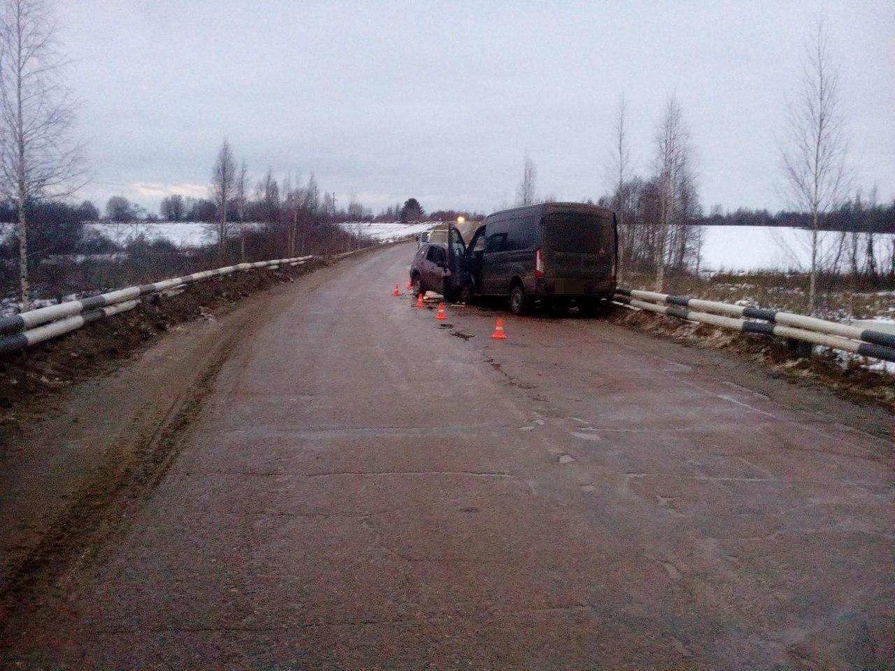 Два человека разбились под Бежецком вТверской области