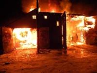 В Калининском районе загорелось производственное помещение