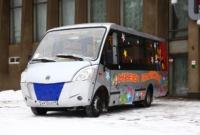 Театру кукол передан гастрольный автобус