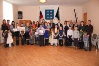В Торжке молодым семьям вручили жилищные сертификаты