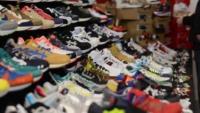 В Тверской области пресекли продажу контрафактной обуви