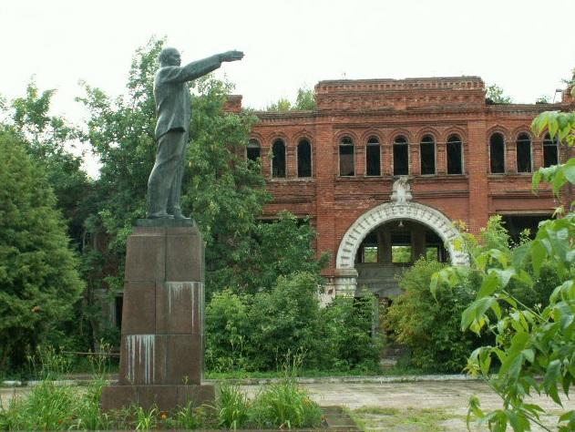 В Кимрах хотят продать историческое здание Гостиного Двора по кирпичам